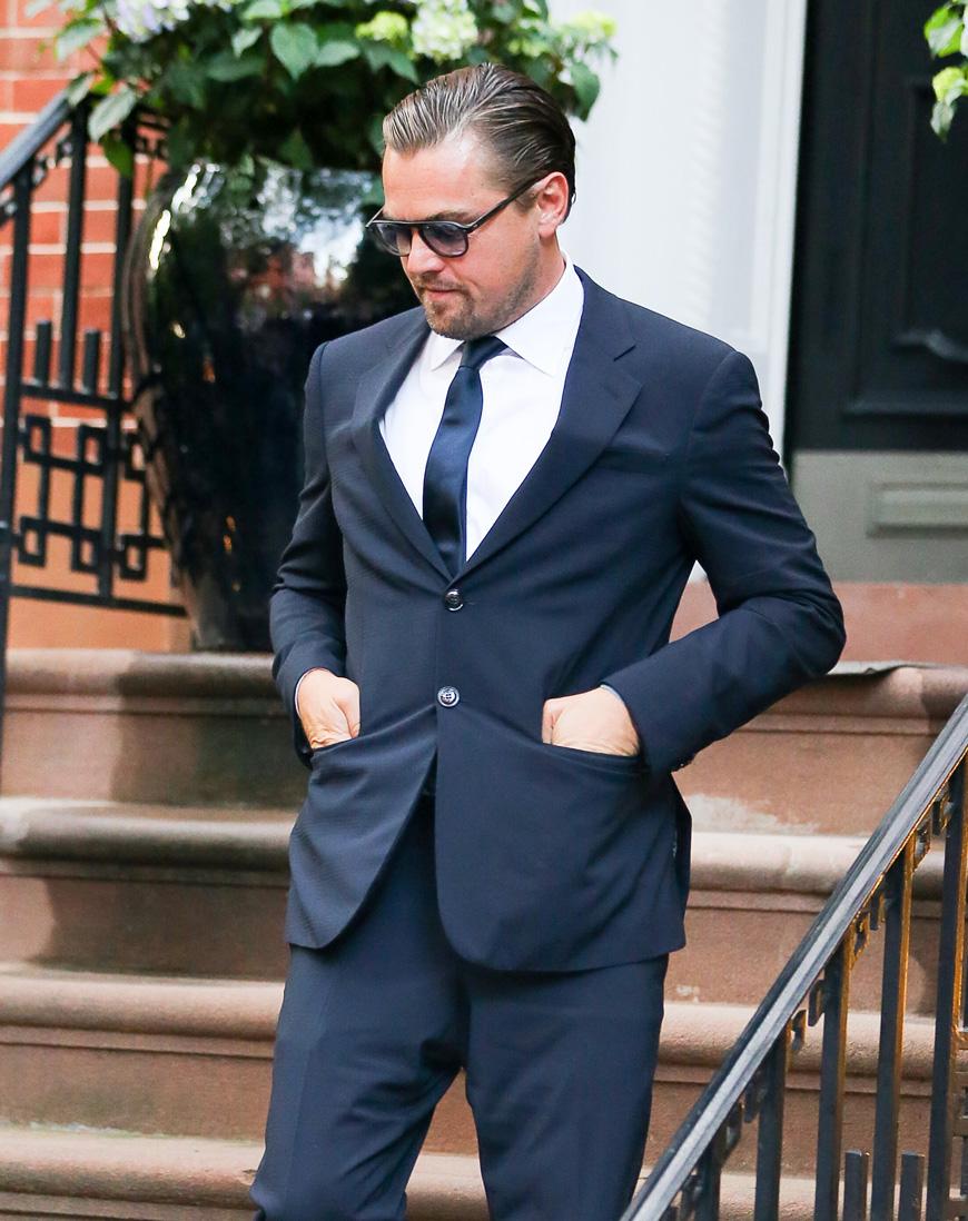 スーツのボタン悪い例